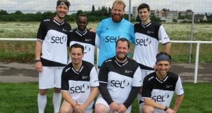 L'équipe de foot de Sport et Foi Metz
